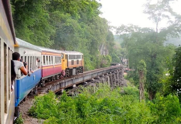 Ride the train through Kwai Noi River